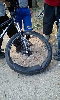 こんなタイヤ・・・・_a0065393_7304595.jpg