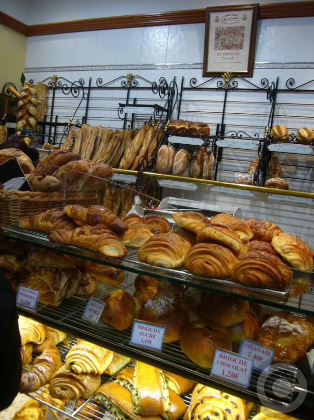 ■最近通ってます・・・このパン屋(パリ14区75014PARIS)_a0014299_18351717.jpg