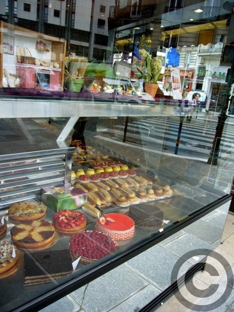 ■街角のパン屋(パリ5区75005PARIS)_a0014299_4295776.jpg