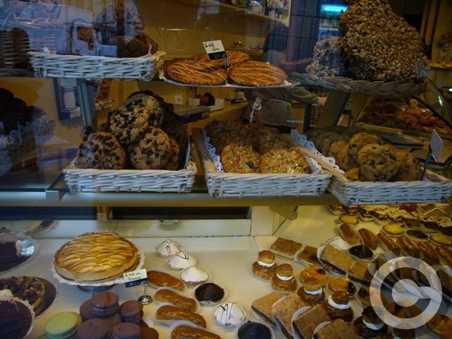 ■街角のパン屋(パリ5区75005PARIS)_a0014299_4315070.jpg