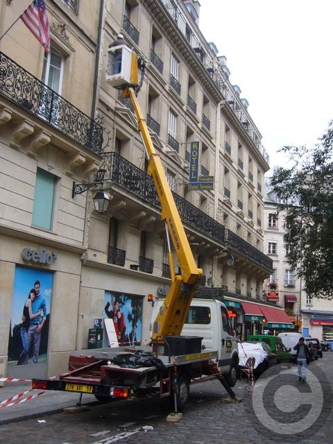 ■街角の工事(パリPARIS)_a0008105_1944877.jpg