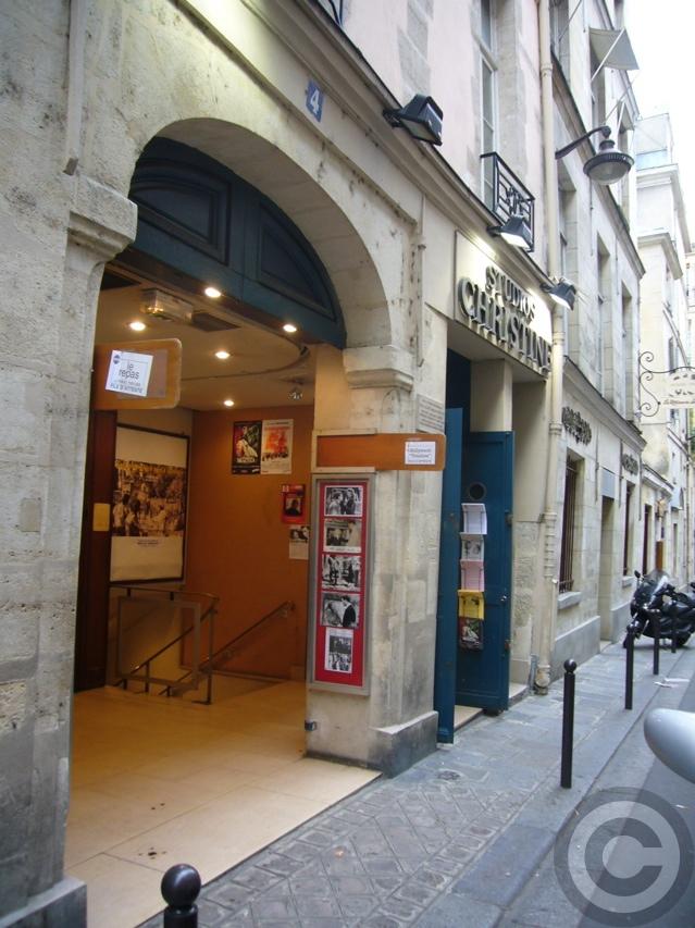 ■街角の映画館(パリPARIS)_a0008105_19502918.jpg