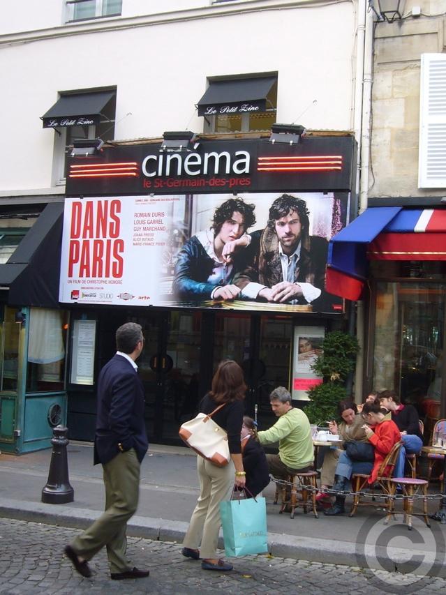 ■街角の映画館(パリPARIS)_a0008105_19504992.jpg