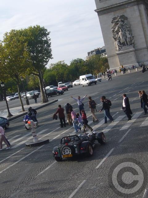 ■街角の車(パリ)_a0008105_1921860.jpg