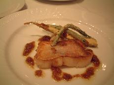 『トラットリア・コバ』のメイン料理(魚)