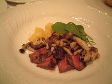 『トラットリア・コバ』のメイン料理(肉)