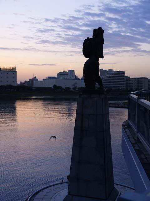 「鳥」1_e0096928_3363671.jpg