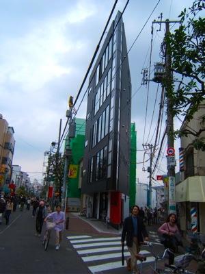 現代スライス建築事情_c0004024_055557.jpg