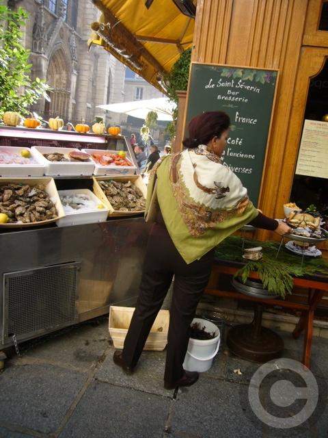 【LE SAINT SEVRIN】牡蠣の季節到来(パリ)_a0014299_20505761.jpg