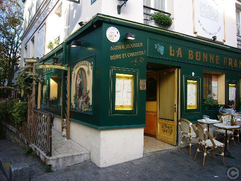 ■街角のレストラン(モンマルトル界隈、パリ)_a0014299_20582443.jpg