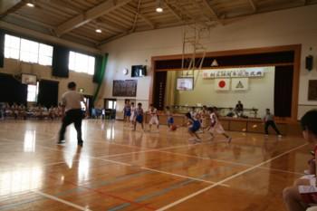 お兄ちゃんの頑張り…ミニバスケットボール試合in福浜小学校_d0082356_1017566.jpg