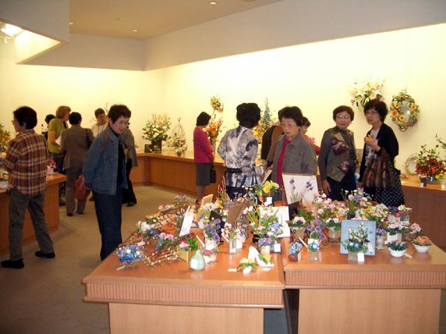 2006\' 花のフェスタ パンフラワー作品展 開催報告!!_d0079522_16375971.jpg