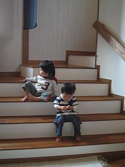 子どもと階段_d0080906_9591531.jpg