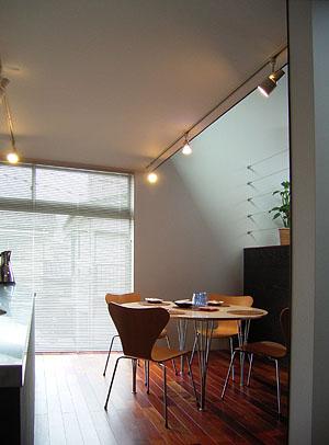 浦和S邸 食卓セッティング完了_d0017039_1311576.jpg
