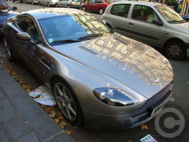 ■街角の車(パリPARIS)_a0008105_841485.jpg