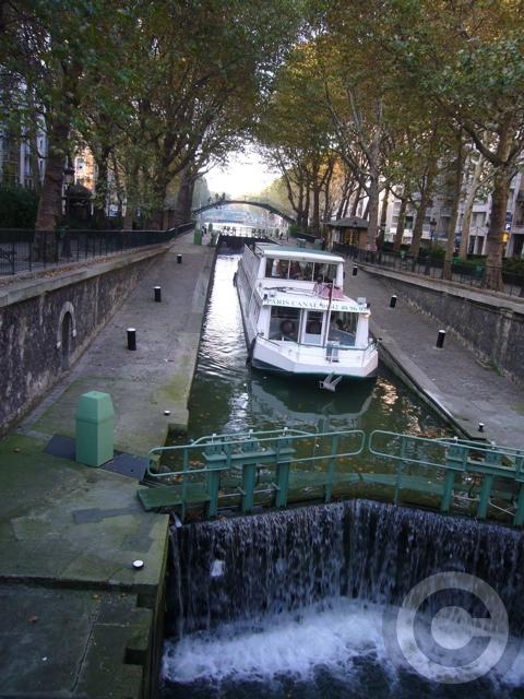 ■秋のサン・マルタン運河Canal Saint-Martin(PARIS)_a0008105_16493094.jpg