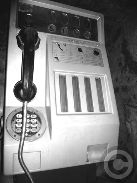 ■懐かしい電話(パリPARIS)_a0008105_6125743.jpg