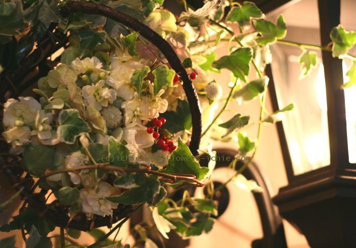 シェ松尾青山サロン様の装花 あたたかな白_a0042928_23582938.jpg