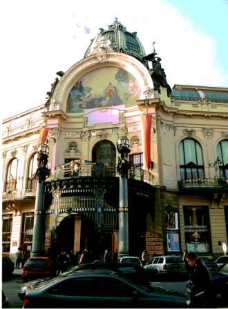 "プラハ市民会館  ""2003中欧_c0087349_4812100.jpg"
