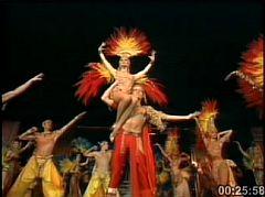 ムーラン・ルージュ百年祭の映像_e0022175_22551623.jpg