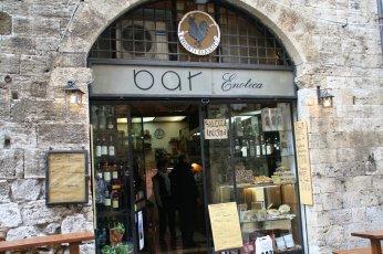 ヴェルナッチャ・ディ・サンジミニャーノVernaccia di San Gimignano_f0090286_164422100.jpg