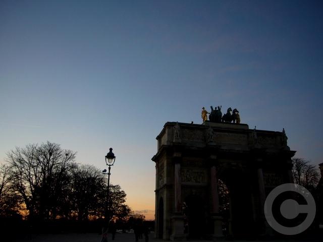 ■カルーゼル凱旋門Arc de Triomphe du Carrousel(パリ)_a0008105_013643.jpg