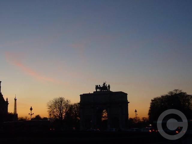 ■カルーゼル凱旋門Arc de Triomphe du Carrousel(パリ)_a0008105_0144472.jpg