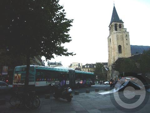 ■街角のフォンテーヌ(パリ)_a0008105_634989.jpg