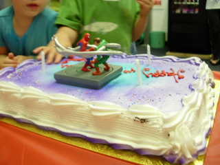 11月14日(火) バービーに注目! アメリカの長方形ケーキ!_d0082944_22514715.jpg