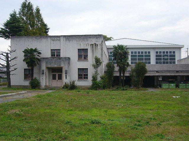 犬上郡の豊郷小学校_c0094541_12244979.jpg