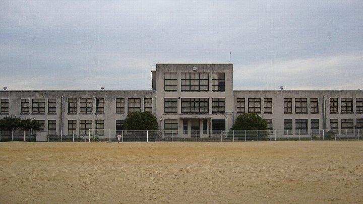 犬上郡の豊郷小学校_c0094541_12482368.jpg