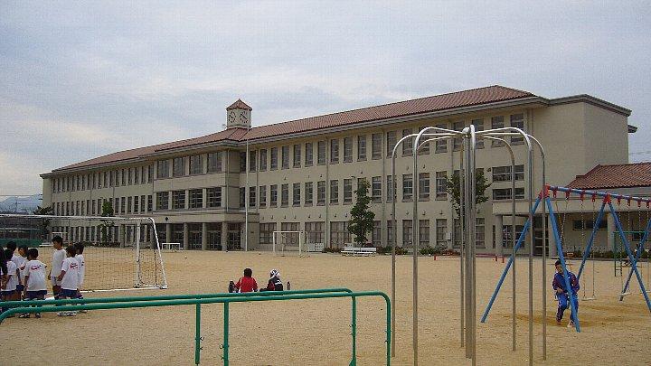 犬上郡の豊郷小学校_c0094541_12522337.jpg