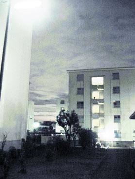 夜明けを照らす街灯_f0041351_14484463.jpg