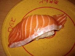 お寿司の写真がたくさん。サーモン、ハマチ、カツオのユッケ、焼き蟹、あんこうの肝など、お皿ごとの写真が並べてあります。最後はガリの写真も。