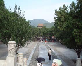 北京閑話 十三廟の地下に入る!と。_a0084343_16263142.jpg