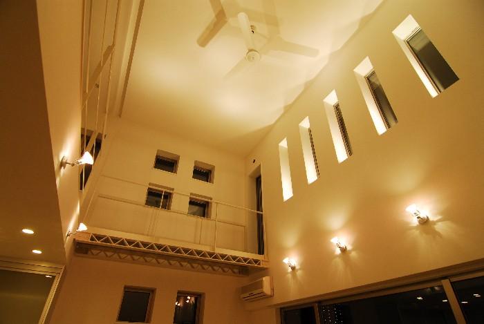 自宅建築 8 「照明点灯」_b0065572_8314612.jpg
