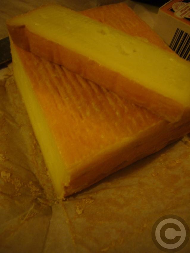 ■最近ヒットだったスーパーのチーズたち(パリ)_a0014299_8413426.jpg