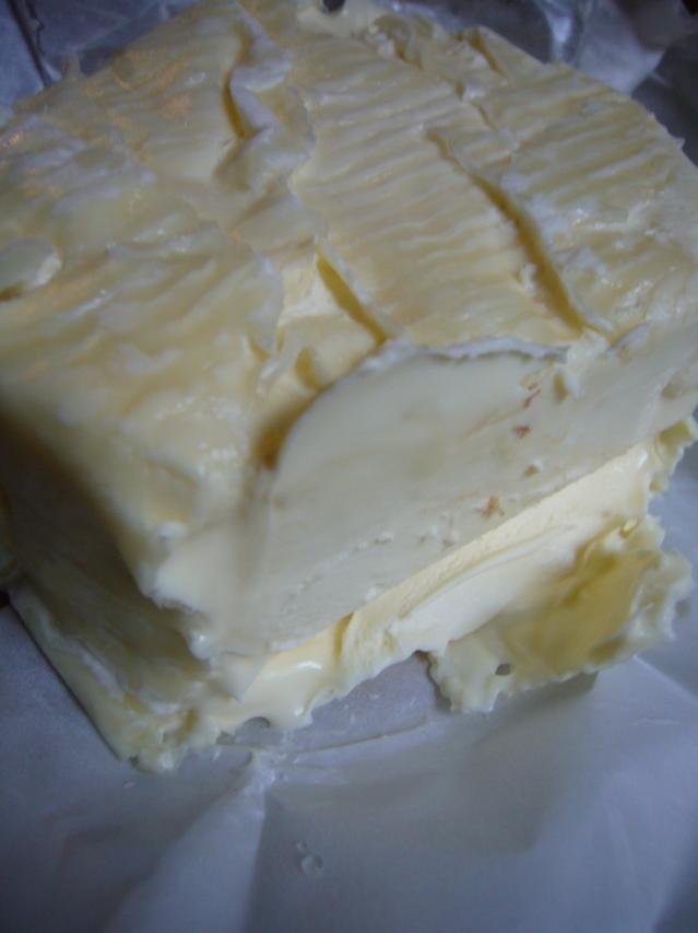 ■最近ヒットだったスーパーのチーズたち(パリ)_a0014299_8474255.jpg