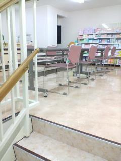 横須賀中央のタカヤマ薬局2階でカネボウ化粧品セミナー_d0092901_220038.jpg