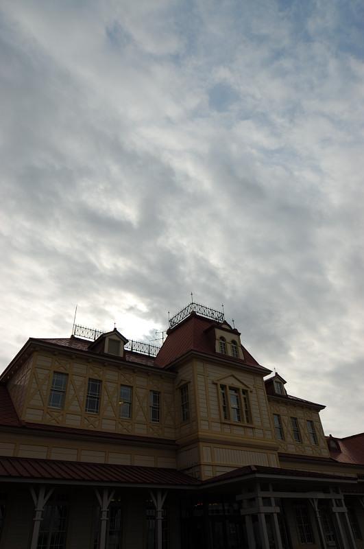 曇天模様に光は回る_c0084666_21175871.jpg