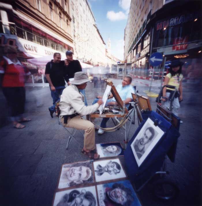 ストリート・スナップにはピンホールカメラが最適? ウィーン Pinhole Photography_f0117059_23343175.jpg