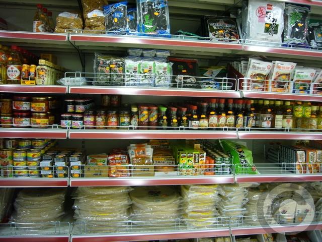 ■モベールの中華ベトナム食材店再オープン(パリ)_a0014299_1865535.jpg