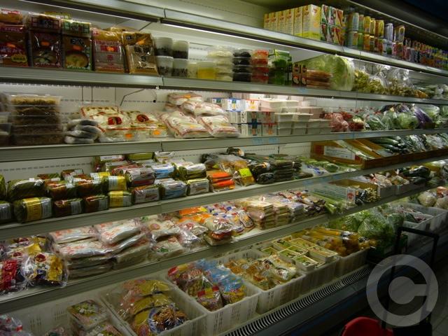 ■モベールの中華ベトナム食材店再オープン(パリ)_a0014299_1871964.jpg