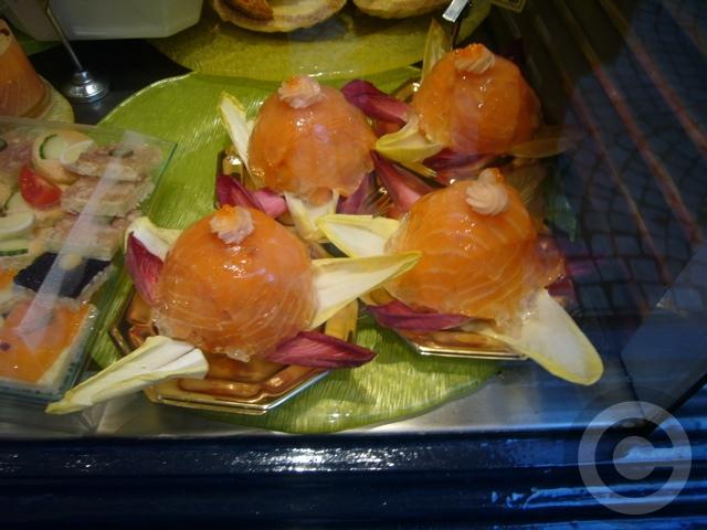 ■街角のお惣菜(パリ)_a0014299_6343537.jpg