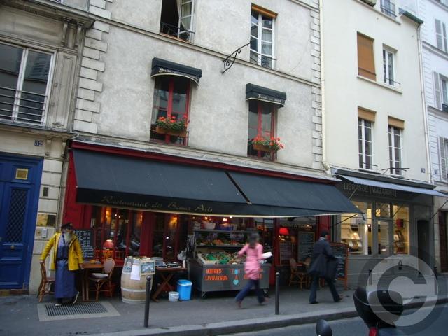 ■街角のレストラン(パリ)_a0014299_18574496.jpg
