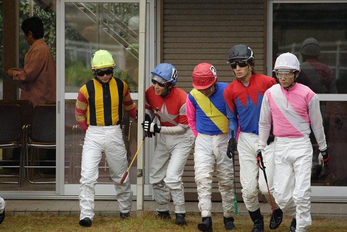 2006年11月26日(日) 高知競馬 6R 中西達也騎手が笑った訳・・・_a0077663_2246298.jpg