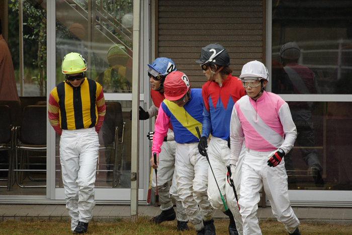 2006年11月26日(日) 高知競馬 6R 中西達也騎手が笑った訳・・・_a0077663_22474122.jpg