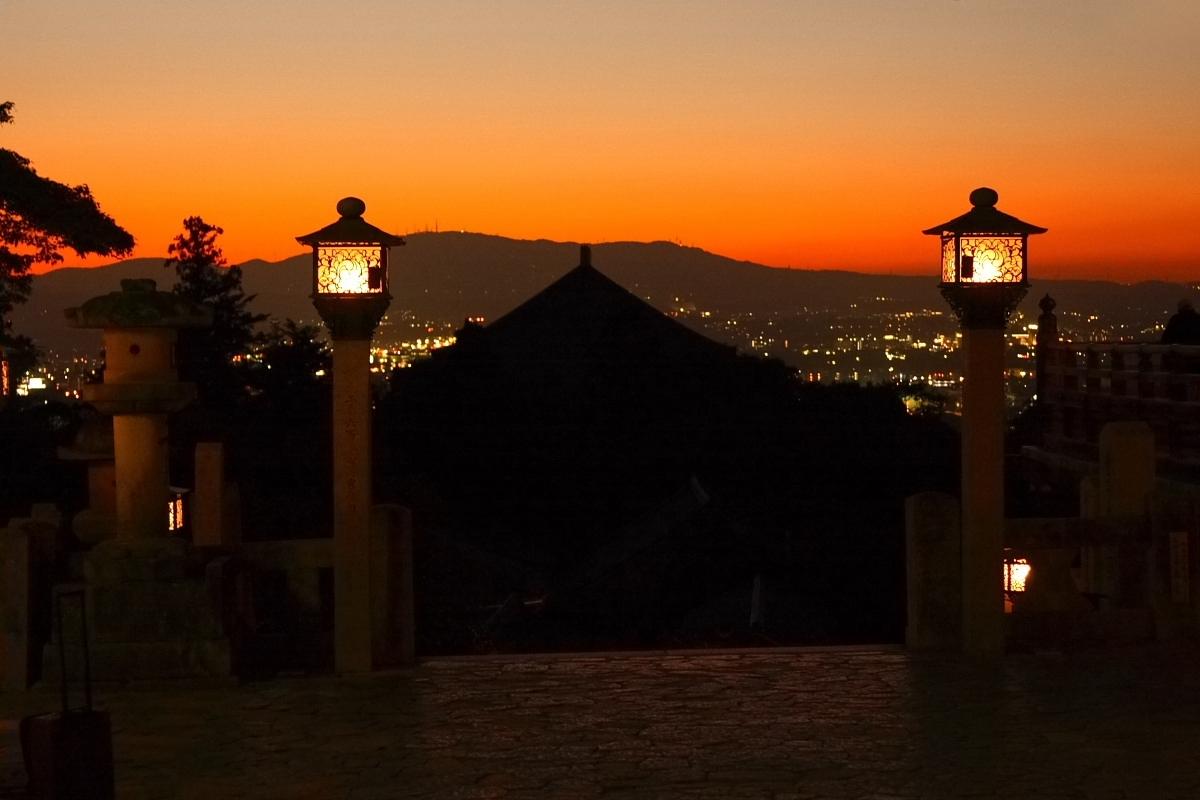 奈良 東大寺 二月堂の夕暮れ 3_f0021869_19382790.jpg
