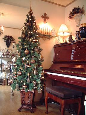 クリスマスツリー(プランター付&ライト付) をご紹介します♪_f0029571_16153618.jpg