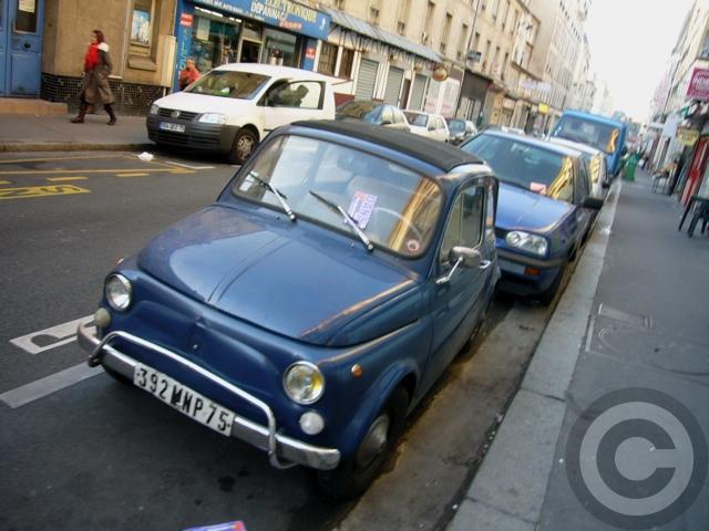 ■街角の車(パリ)_a0008105_19595427.jpg